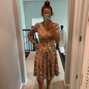 Lularoe Nicole dress WITH POCKETS retro print